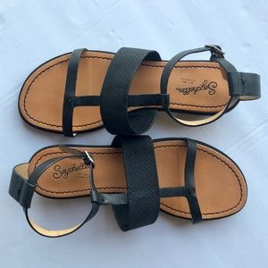 Seychelles genuine leather black flat sandals sz 7